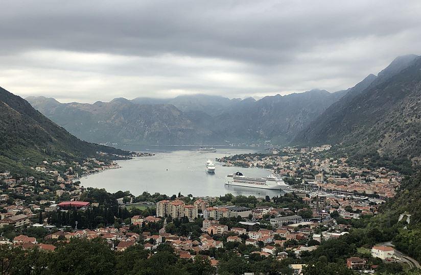 Blick auf Kotor in Montenegro   -   View at Kotor in Montenegro
